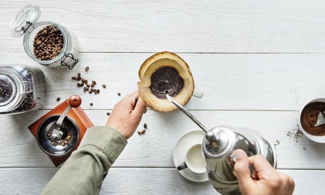 コーヒーをドリップする